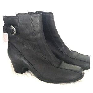 Clark's Artisan Leather Ankle Boots